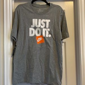 Men's Nike T-shirt, Size M